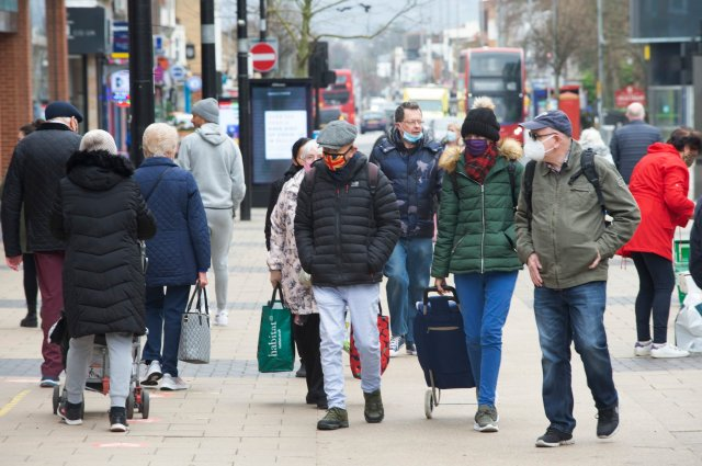?? Licensed to London News Pictures 22/02/2021. Bexleyheath, UK. Shoppers in Bexleyheath, South East London today during a third national coronavirus lockdown. Non-essential shops and schools could open in weeks if the Covid-19 infection rate keeps dropping. Photo credit:Grant Falvey/LNP