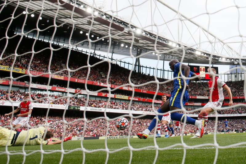 Romelu Lukaku scored Chelsea's early opener in their victory over Arsenal at the Emirates Stadium