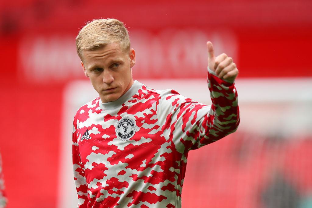 Man Utd star Donny van de Beek sends message to Ole Gunnar Solskjaer over  his best position   Metro News