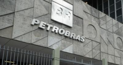 Explosão em sonda a serviço da Petrobras deixa quatro pessoas feridas