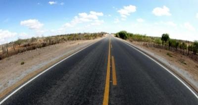 Governo vai recuperar mais de 400 km de rodovias baianas até setembro