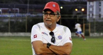 Ex-técnico Chiquinho de Assis morre aos 63 anos