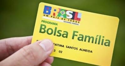 Bolsa Família terá reajuste até 1% acima da inflação em 2018, diz ministro