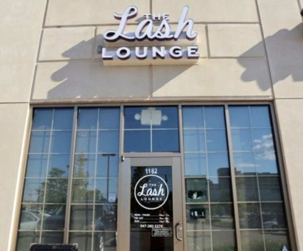The Lash Lounge Store Front