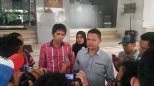 Koordinator Garuda Akbar Syarif saat menyerahklan laporan di Bareskrim Mabes Polri