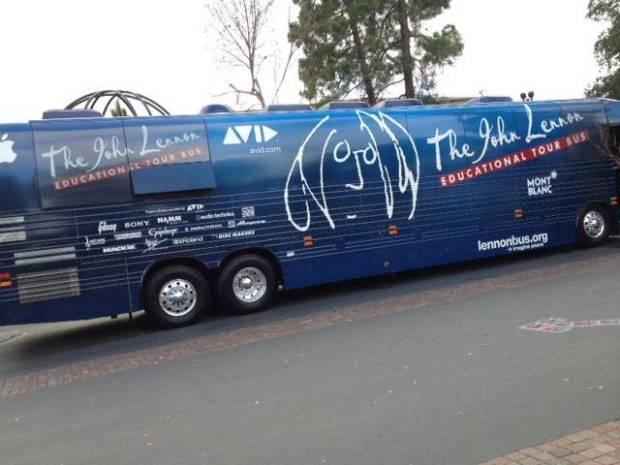 autobus john lennon