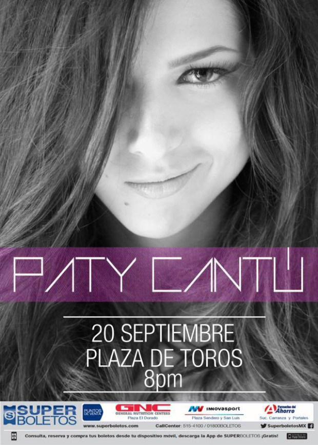 Paty Cantu en plaza de toros