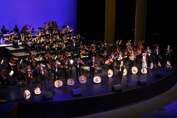 18Jul14 Exitosa Presentación del Mariachi Vargas y la Sinfonietta Universitaria 3