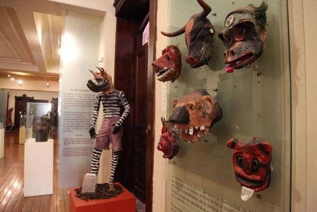 VACACIONISTAS DISFRUTAN DEL DEL CENTRO HISTÓRICO Y LOS MUSEOS (4)