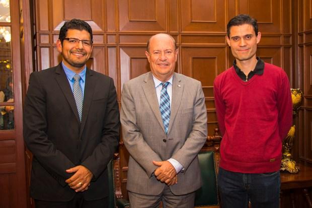 10_16_2015 JAIME DAVID PEREZ MARTINEZ premio nacional de ciencia y tecnologia en alimentos 2015 Y EDUARDO GOMEZ PREMIO a la investigacion 2015 IMG_7829