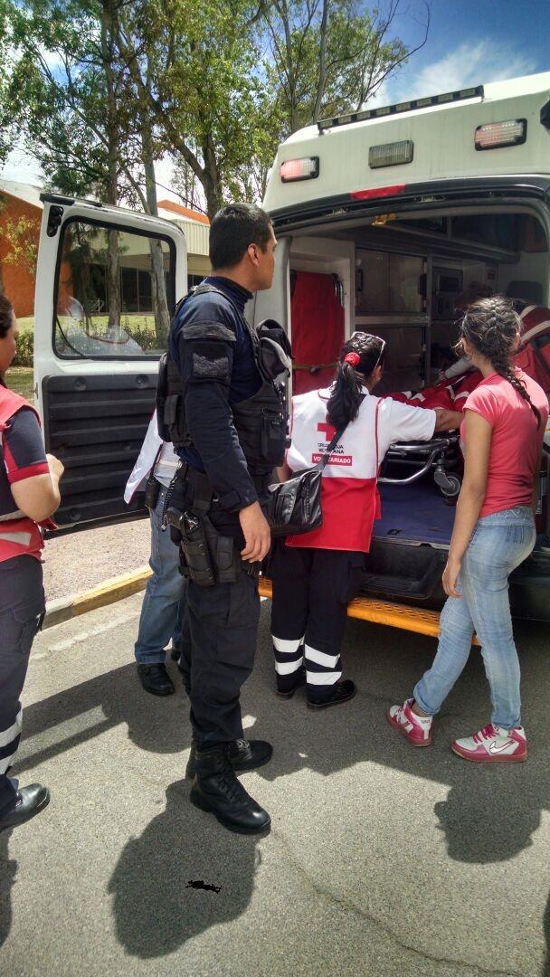 POLICÍA ESTATAL SALVA LA VIDA DE MENOR