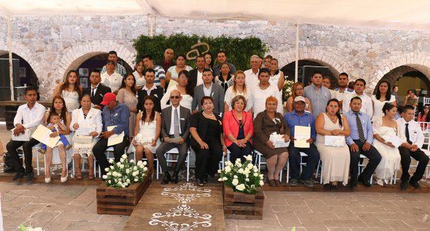 MATRIMONIOS SIMULTANEOS 10