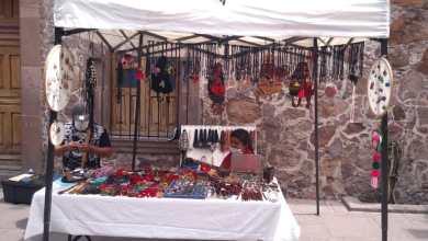 Photo of Artesanos ofrecen sus artesaníasa cambio de comida