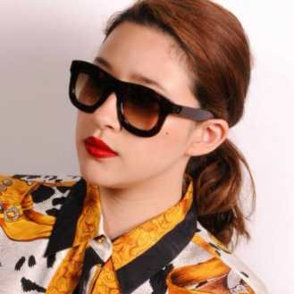 Lots of sunglasses styles in store for a sunny day!!