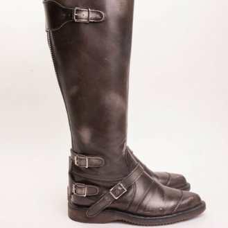 Tall Dr.Marten Boot #drmarten #docs #vintageboots #boots #punk #punkclothing #vintagenyc #vintageshoes #nycvintage #newyorkcity