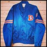 Denver Broncos Starter Jacket Size L #denver #denverbronos #broncos #elway #manning #paytonmanning #payton #johnelway #nfl #vintagen #starter #starterjacket