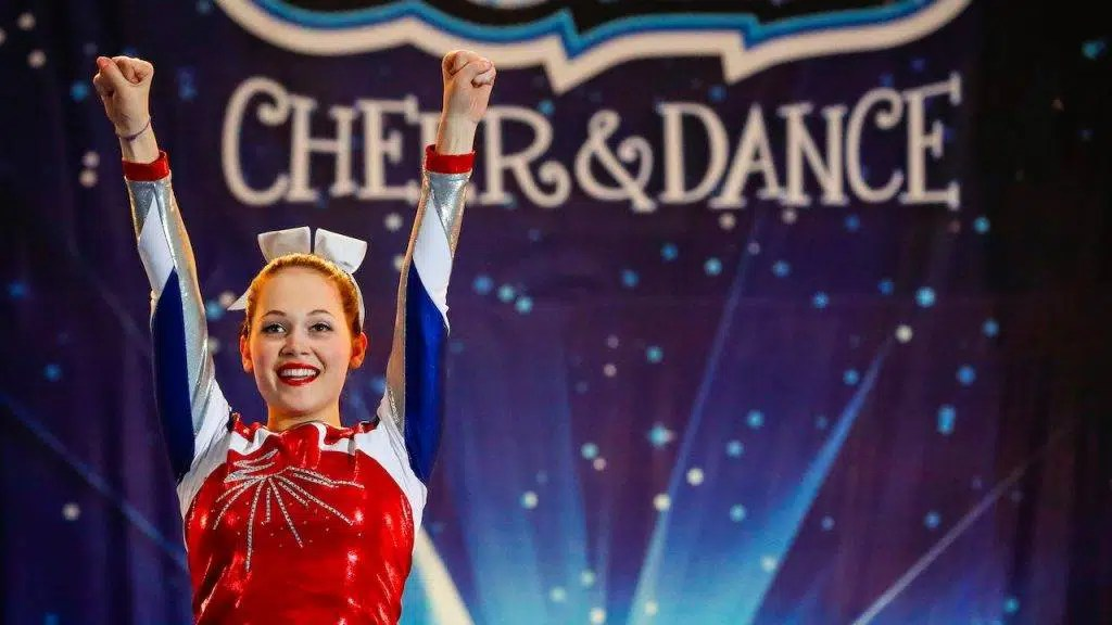 Un estratto dal film Going for Gold (2018), cheerleaders su ghiaccio - Photo credit: Netflix