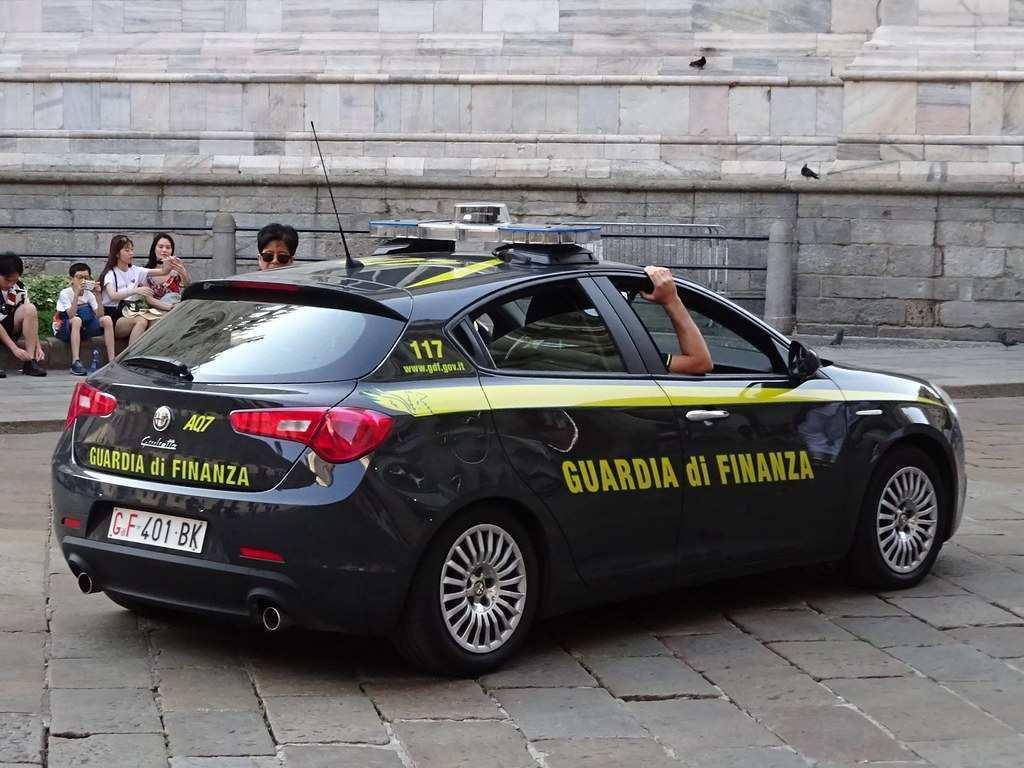Guardia di finanza Viareggio: smantellata associazione a delinquere