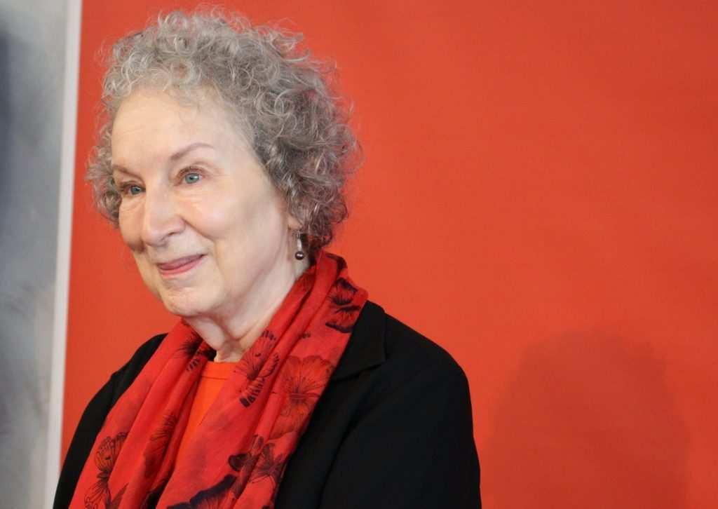 Margaret Atwood, la forza del romanzo distopico e gli ideali femministi