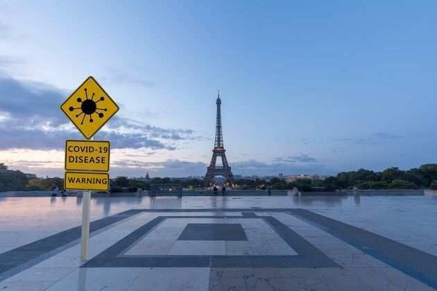 Coronavirus in Francia: «Lockdown dall'1 al 20 dicembre per salvare il Natale»