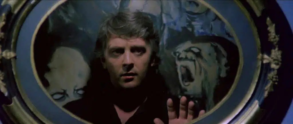 David Hemmings in una scena del film - Photo Credits: quinlan.it