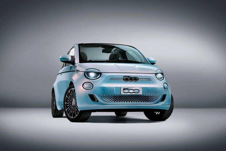Fiat 500 elettrica |  info |  caratteristiche e prezzo FOTO e VIDEO