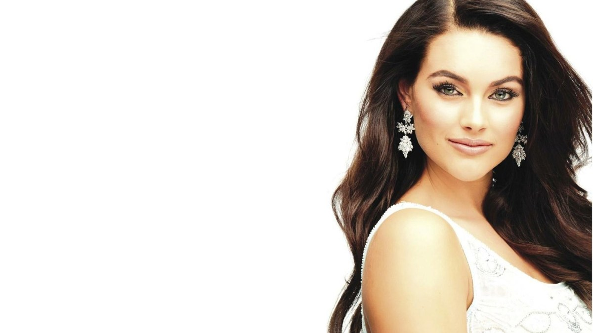 Rolene Strauss crowned Miss World 2014