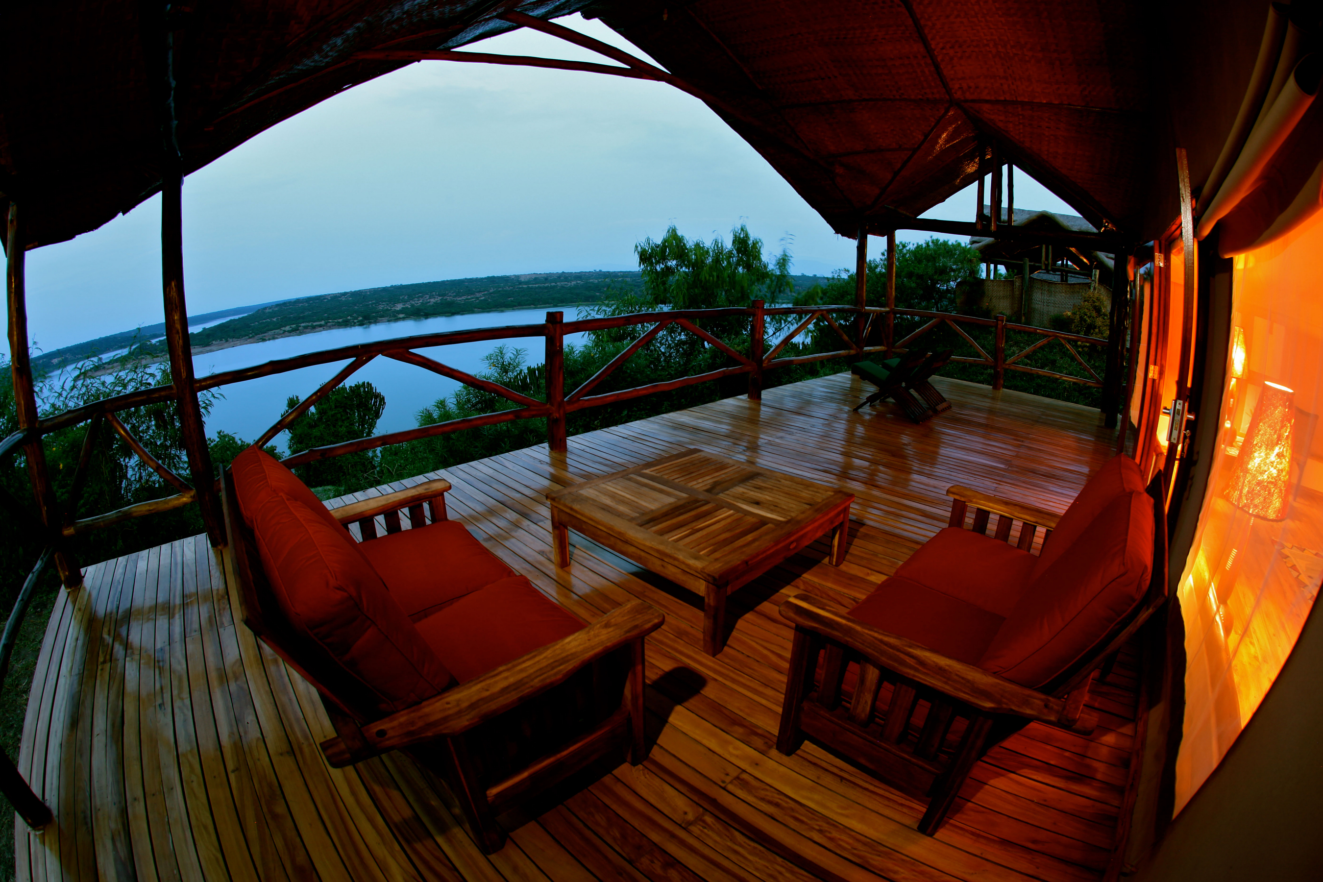 mweya_safari_lodge_tent_balcony-hi