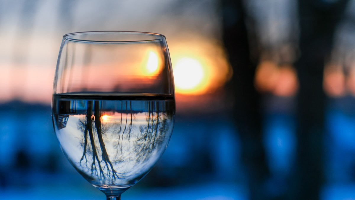 Benefits of drinking a glass of water first thing in the morning