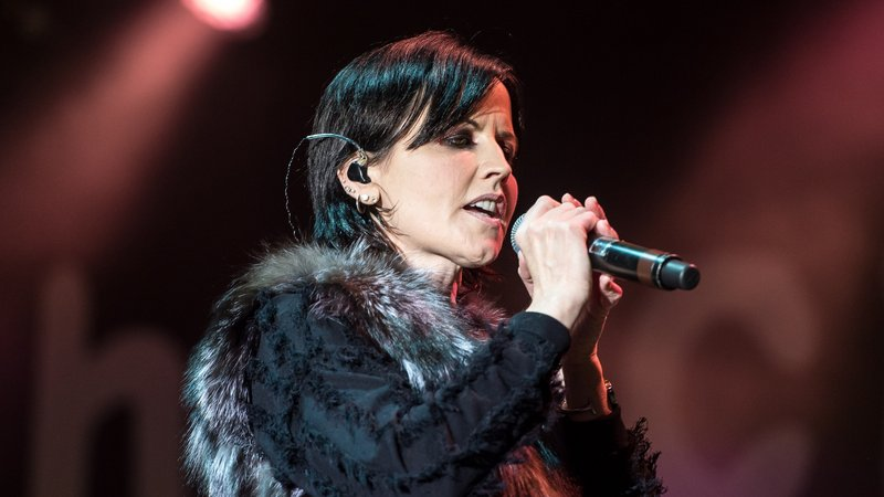 Thousands in Ireland honour late Cranberries singer O'Riordan