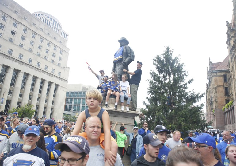 """""""Awesome"""":  Throngs flood downtown to celebrate St. Louis Blues Stanley Cup championship"""