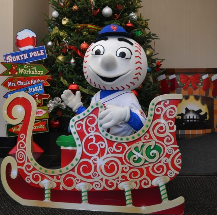 What Mr Met Wants For Christmas