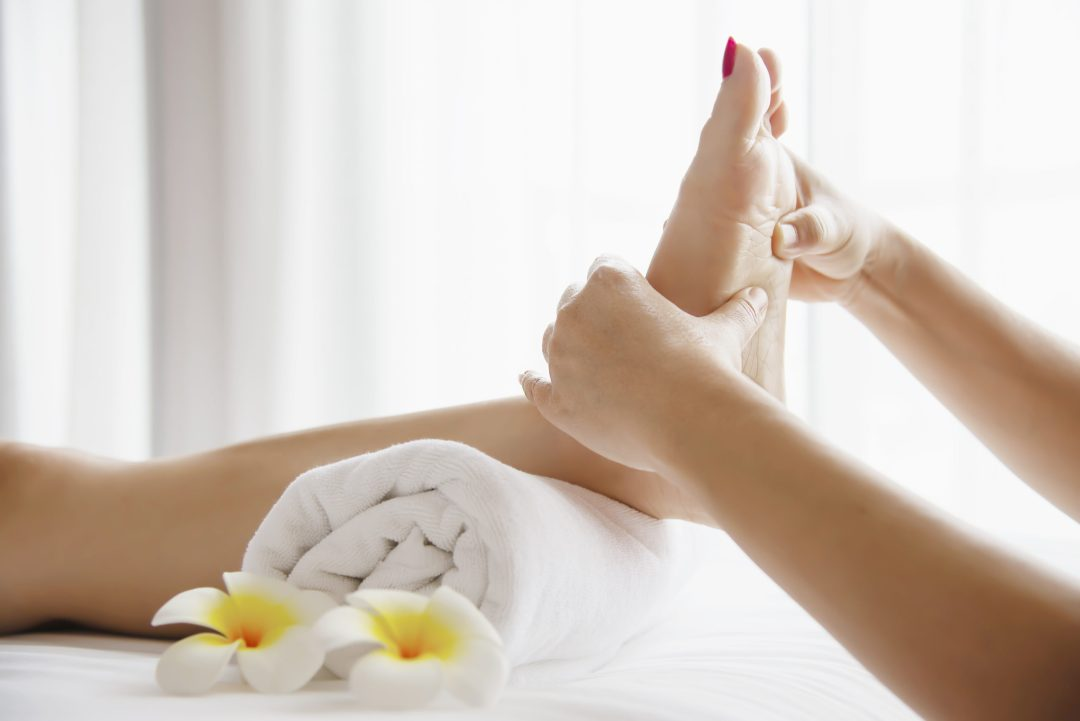 """Rich results on Google's SERP while searching for """"foot massage"""""""