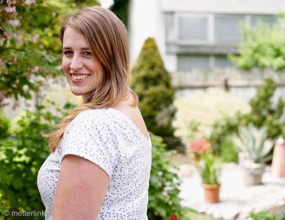 metterlink näht: Fairelith Top von Blank Slate Patterns auf deutsch bei Näh-Connection mit Stoff von Elvelyckandesign