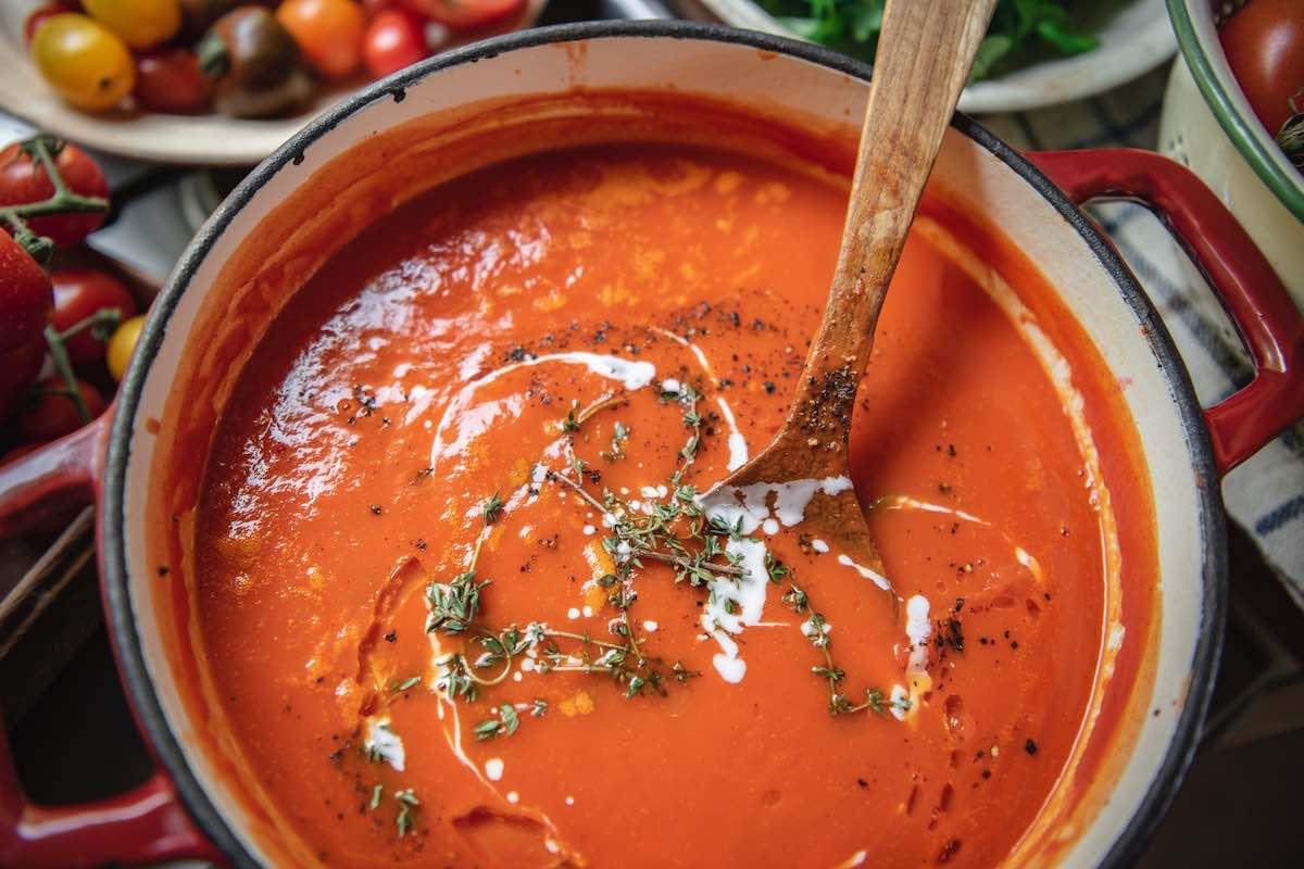 Tomatsuppe med pesto