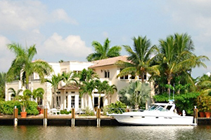 Waterfront luxury home in Florida