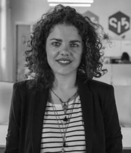 Elena Fernández CEO en Dog Vivant