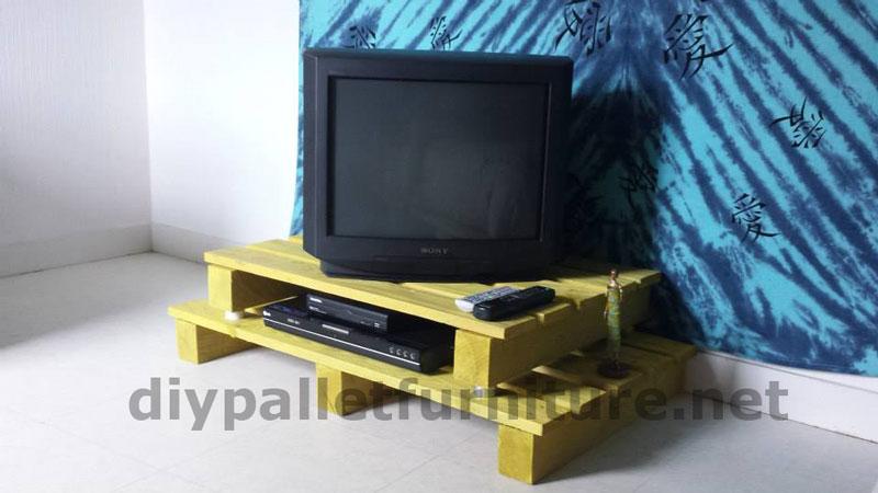 Meuble TV avec une seule paletteMeuble en Palette  Meuble en Palette