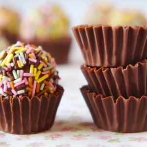 Brigadeiro e Forminhas de Chocolate