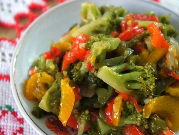 Refogado de Brócolis e Pimentões