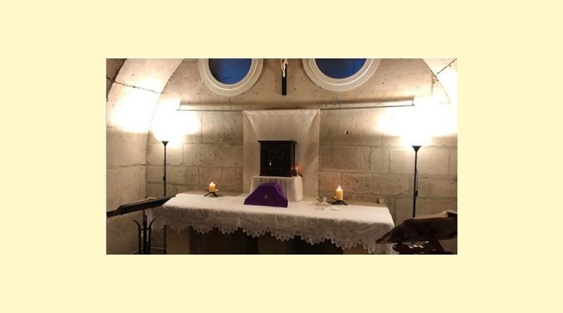 Messe à la crypte de l'église de Triel