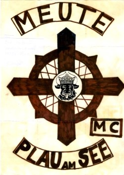 Entwurf unseres Colour noch auf Papier Abriss der Clubgeschichte des Meute MC Plau am See