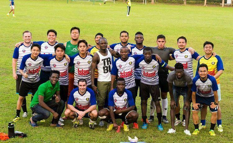 Jugar al fútbol en Filipinas