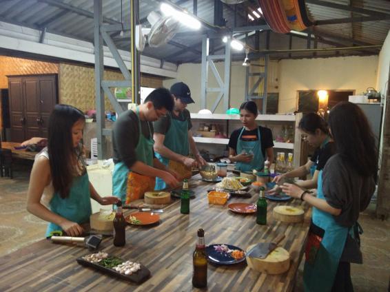 chiang mai cooking class stir fry
