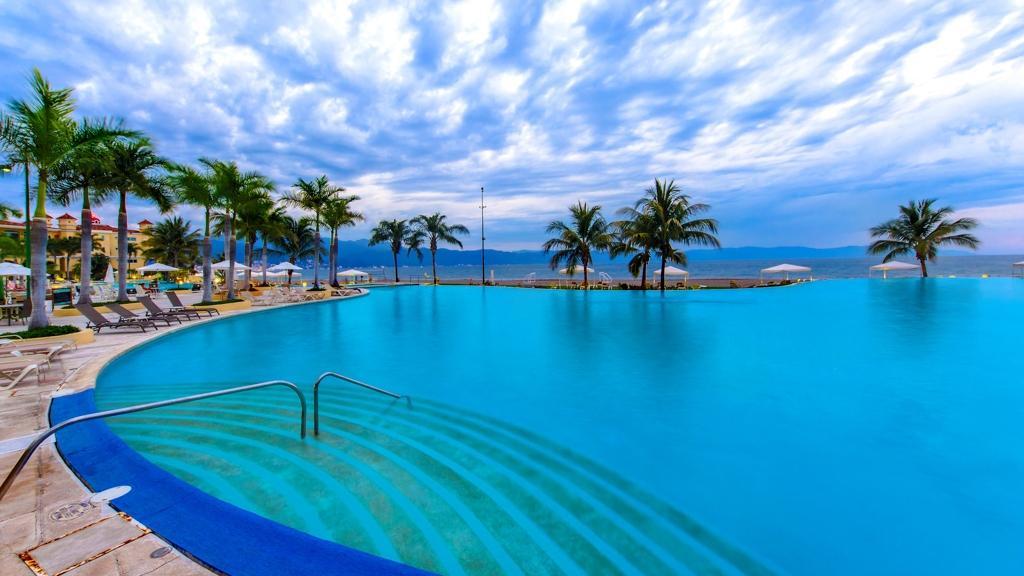 Puerto Vallarta Marina Real Estate for Sale | MexHome