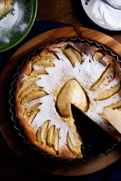 Pear Clafoutis for Your Christmas Table | Receta de Clafoutis de Pera