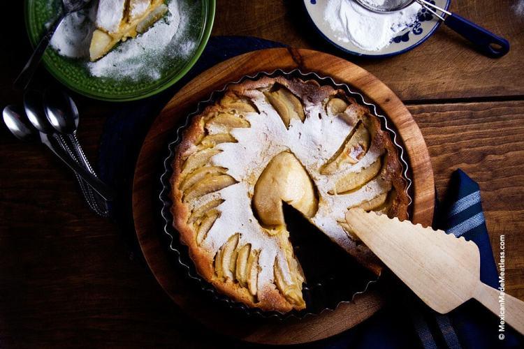 Pear Clafoutis for Your Christmas Table | Receta de Clafoutis de Pera