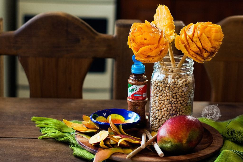How to make mexican mango flowers with chile powder video sometimes i think ill turn into a mango because of the huge amounts i eat when they are in season its okay no guilty feelings because better to eat ccuart Image collections