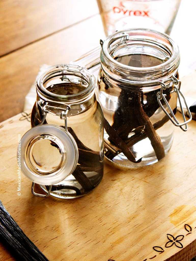 How to Make Vanilla Extract by @MexicanMadeMeatless