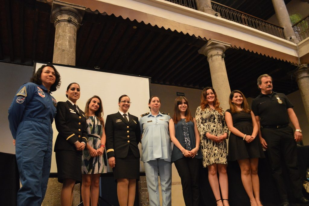 mujeres-mexicanas-en-la-aviacio-n-con-el-grupo-mujeres-hacia-el-espacio